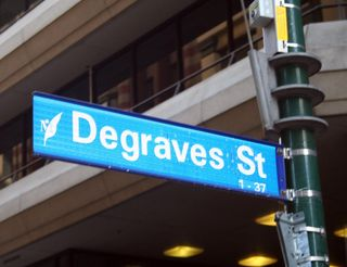 Degraves-st-fave-place