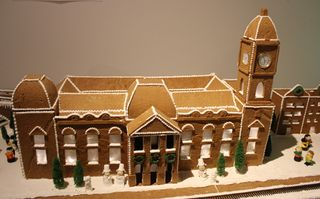 Sm gngerbread town hall